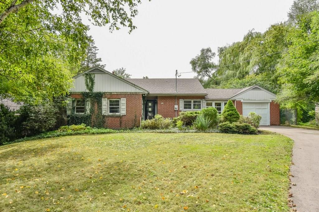 18 Tally Ho Drive in Dundas Ontario sold by Emily Cassolato.